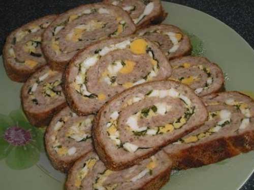 Рецепт мясного рулета из фарша с яйцом в духовке рецепт