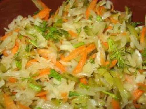 Салаты из маринованной капусты с